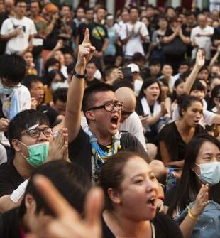 Crecen-las-protestas-por-democracia-en-Hong-Kong