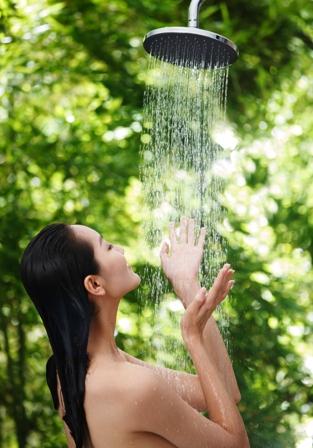 Banarse-con-agua-fria--embellece-el-cuerpo-y-cabello