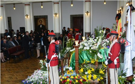 Honores-funebres-a-Villegas-en--el-palacio