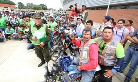 Mototaxistas-y-policias-se-unen-contra-la-inseguridad
