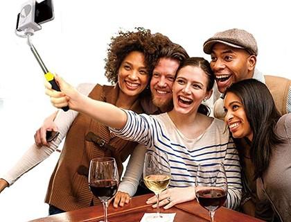Palos-para-selfies-van-como-equipaje-de-mano--
