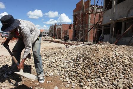Sector-de-la-construccion-sumara-20.000-obreros