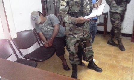 Secuestran-armas-y-drogas-en-Yapacani
