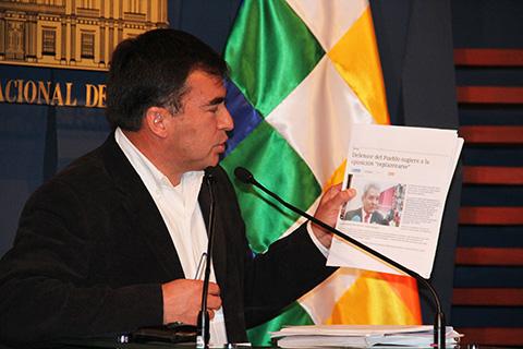 Quintana-acusa-a-Villena-de-convertir-la-Defensoria-en-una-factoria-politica
