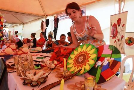 Feria-de-mujeres-en-el-parque-urbano.-