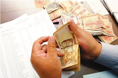 INE-confirma-crecimiento-del-PIB-sobre-4,5%-y-pago-del-segundo-aguinaldo