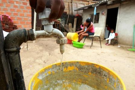 Falta-de-inversion-traba-un-mayor-acceso-al-agua