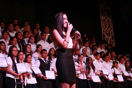 100-jovenes-se-benefician-con-becas-para-licenciatura