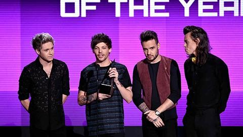 One-Direction-y-Taylor-Swift,-los-triunfadores-de-los--American-Music-Awards