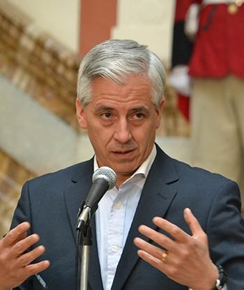 Garcia-dice-que-Insulza-vive-un-dilema-por-hacer-lo-contrario-a-lo-que-definio-en-la-OEA