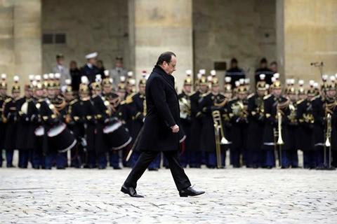 Francia-rinde-homenaje-a-victimas-de-ataques-en-Paris-
