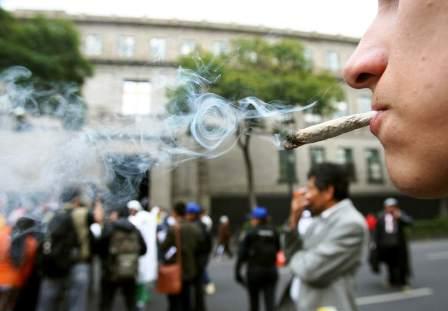 Mexico-abre-puertas-a-uso-recreativo-de-marihuana