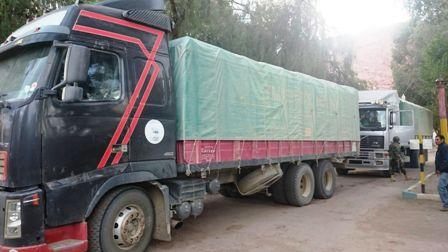 Aduana-decomisa-5-camiones-con-alimentos-