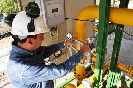 En-electricidad,-gas-y-agua-pagan-los-mejores-salarios
