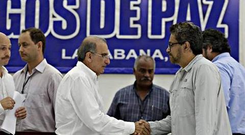 FARC-y-gobierno-anuncian-pacto-a-favor-de-victimas-en-Colombia