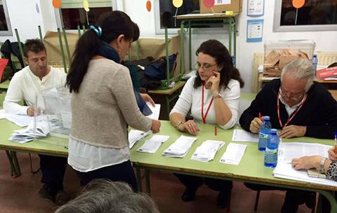 La-derecha-de-Rajoy-primera-fuerza-en-elecciones-en-Espana