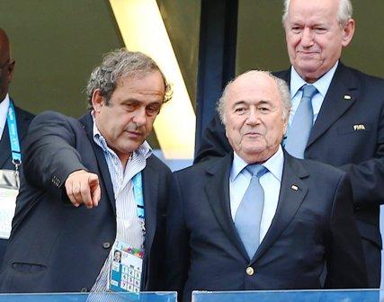Blatter-y-Platini-son--suspendidos-por-8-anos