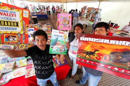 Abren-Feria-Navidena-del-Libro