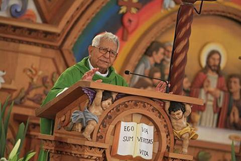 Muere-a-los-79-anos-el-Cardenal-Julio-Terrazas