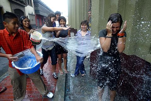 Prohiben-uso-indiscriminado-del-agua-en-carnaval-