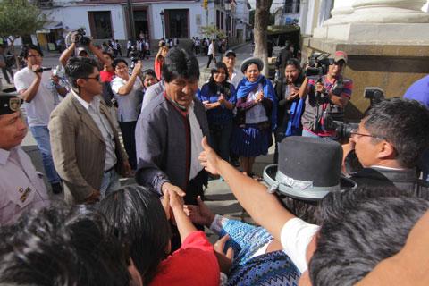Bajan-tarifas-del-gas-domiciliario-en-Tarija-y-eximen-a-benemeritos-del-pago-de-servicios-basicos-