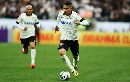 Corinthians-retendra-a-Paolo-Guerrero-