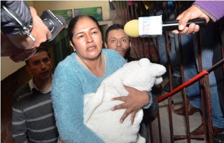 Selva-Camacho-llega-a-La-Paz-para-audiencia-de-cesacion-de-medidas-cautelares