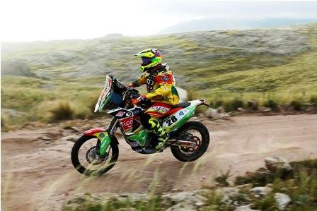 -Chavo--se-sube-a-la-moto-por-1ra-vez-tras-el-Dakar