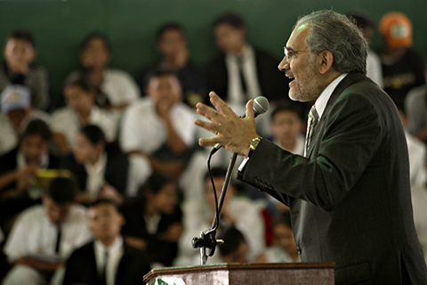 Carlos-Mesa-visitara-Chile-y-el-Vaticano-