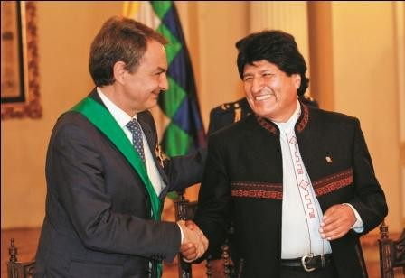 Evo-elogia-a-Zapatero-por-ayuda-a-Bolivia