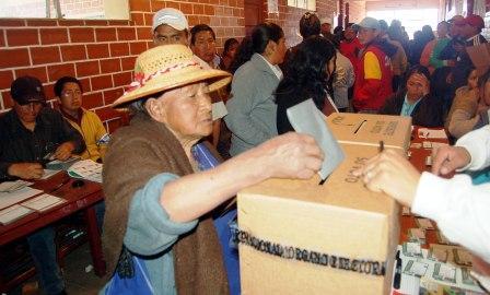 Confirman-misiones-de-la-OEA-y-UNASUR-para-las-elecciones-subnacionales-
