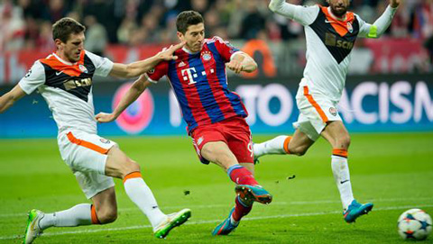 Doblete-de-Müller-en-la-goleada-del-Bayern-al-Shakhtar-Donetsk
