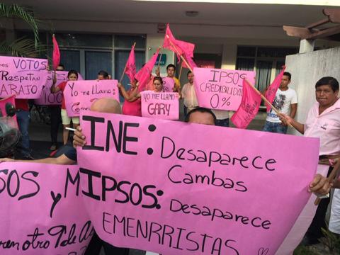 El-MNR-protesta-contra-encuestadora-que-le-da-0%-de-votos
