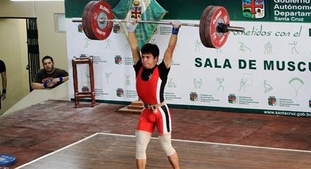 Saldias-impone-record-nacional