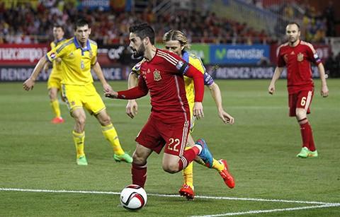 Espana-gana-a-Ucrania-y-continua-de-segundo-para-la-Eurocopa