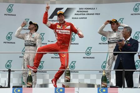 Vettel-gana-el-Gran-Premio-de-Malasia
