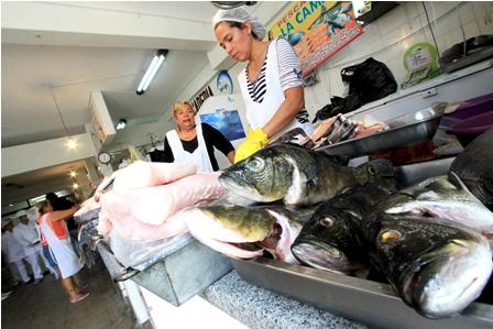 Temen-escasez-de-peces-por-las-riadas