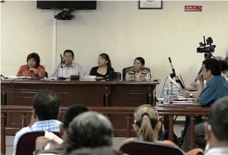 Prado-advierte-que-seguira-en-el-proceso