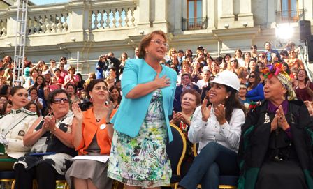 Fiscalia-allana-casa-del-hijo-de-Bachelet