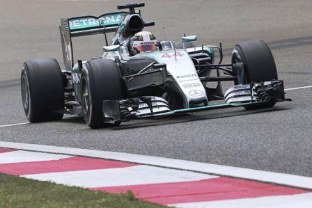 Hamilton-domina-en-los-entrenamientos