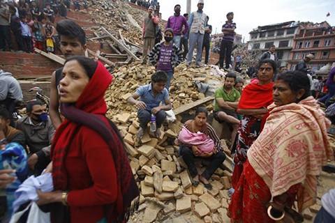 -Numero-de-muertos-por-el-terremoto-de-Nepal-supera-los-3.700