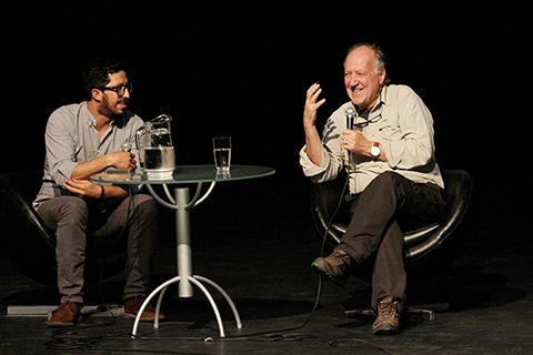 Ya-esta-en-Santa-Cruz-el-cineasta-Werner-Herzog