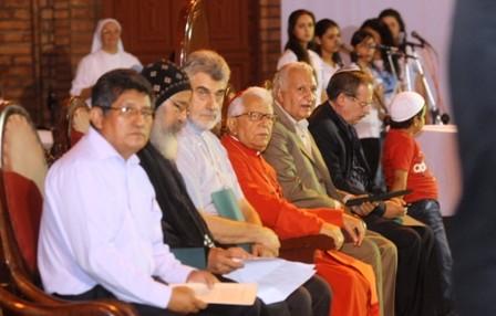 Invitan-a-lideres-de-otras-religiones-a--la-misa-papal