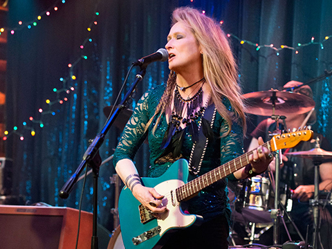 Meryl-Streep-se-transforma-en-rockera-para-su-nueva-pelicula