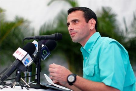 Capriles-hace-un-llamado-de-unidad-a-la-oposicion