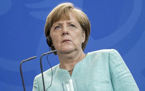 Merkel-dice-que-no-se-hablara-de-tercer-rescate-a-Grecia-antes-del-referendo