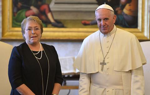 Bachelet-dice-que--el-Papa-esta-al-tanto-de-todo--sobre-la-demanda-maritima-