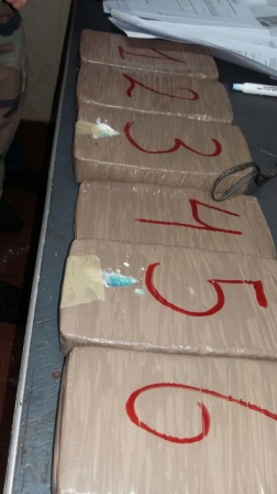 Lo-sorprenden-viajando-con-5-kg-de-droga-en-una-flota