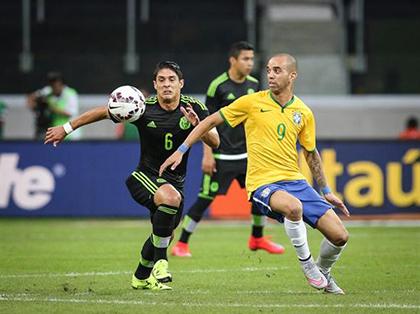 Brasil-vence-2-0-a-Mexico-en-amistoso-