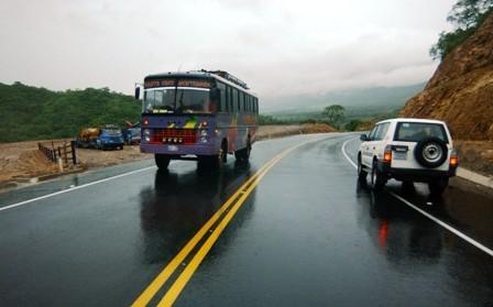Las-lluvias-retrasan-la-reparacion-de-carreteras